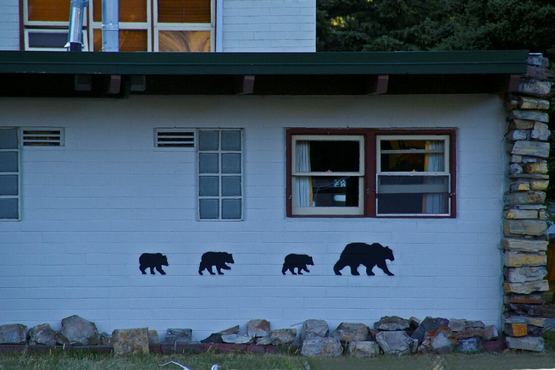 Bear Mountain Motel – Waterton Park, Канада