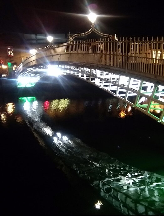 Ha`penny bridge – Дъблин, Ирландия